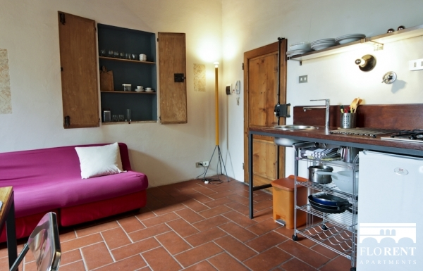 Pitti Studio Apartment kitchen 2