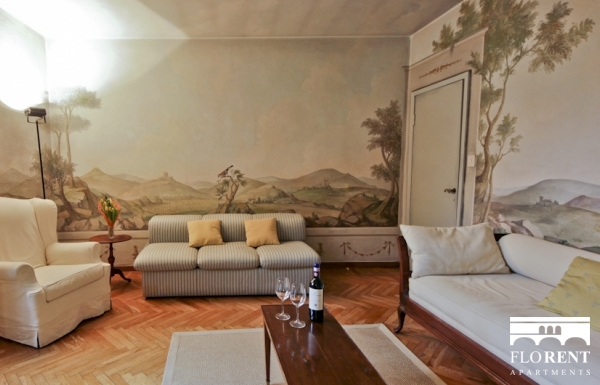 Ponte Vecchio Apartment living room 4