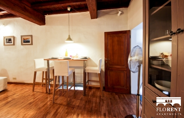 Ponte Vecchio's Tower living and dining room 2