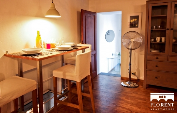 Ponte Vecchio's Tower living and dining room 3