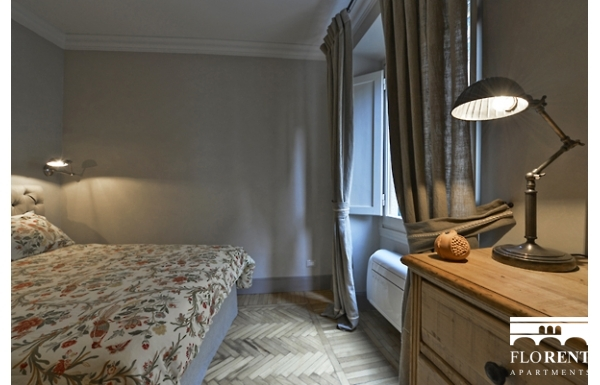 Luxury Apartment on Ponte Vecchio bedroom 2