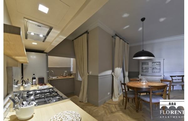 Luxury Apartment on Ponte Vecchio dining room