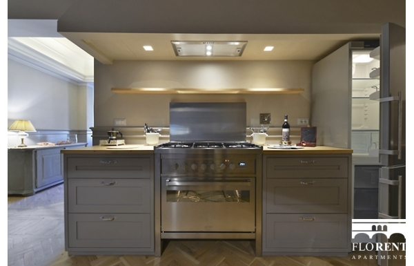 Luxury Apartment on Ponte Vecchio kitchen