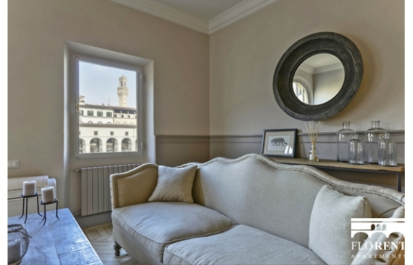 Luxury Apartment on Ponte Vecchio living room 3