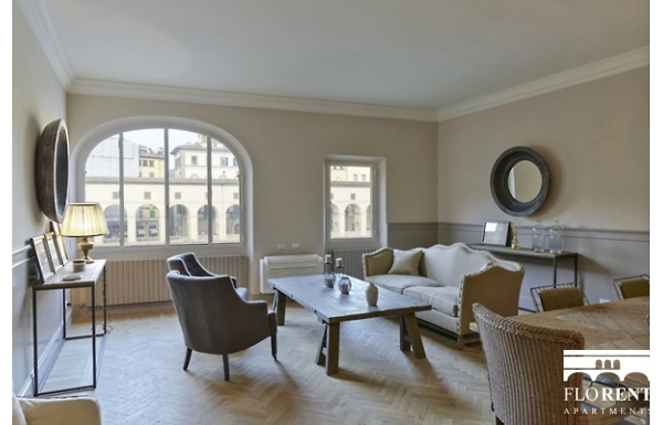 Luxury Apartment on Ponte Vecchio living room 2