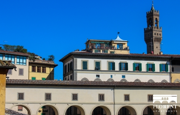 Luxury Apartment on Ponte Vecchio view