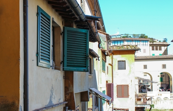 Luxury Apartment on Ponte Vecchio view 2