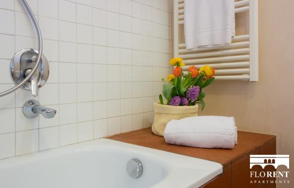 Suite Maggio bathroom 2