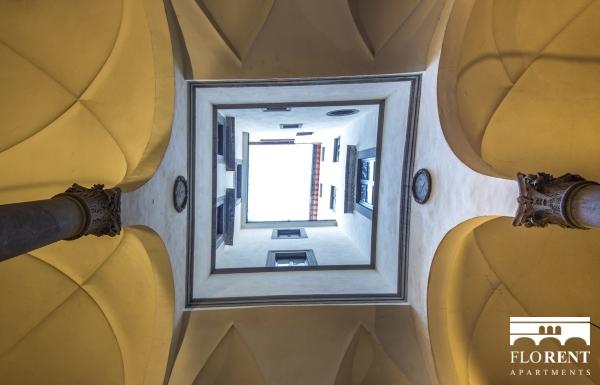 Suite Maggio entrance 2