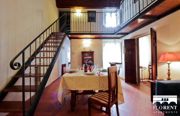 Apartment in Santo Spirito dining room