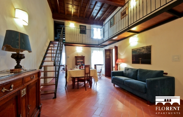Apartment in Santo Spirito living and dining room