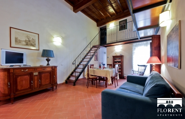 Apartment in Santo Spirito living and dining room 2