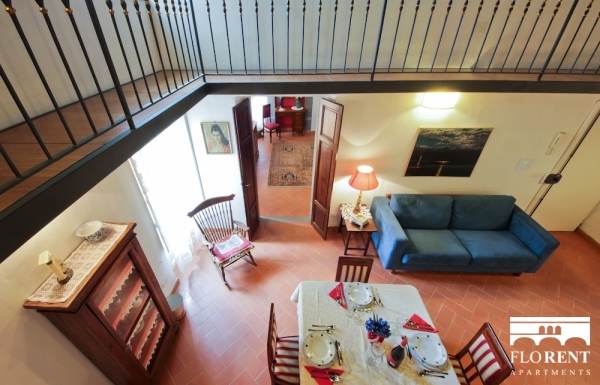 Apartment in Santo Spirito living and dining room 3