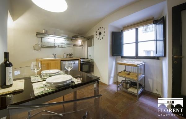 Santo Spirito Suite dining room 2
