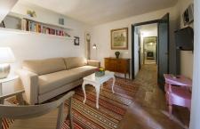Santo Spirito Suite living room