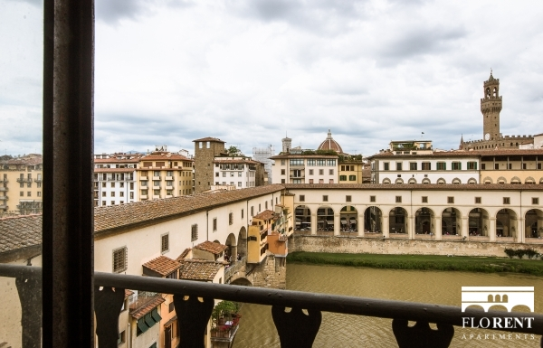 Ponte Vecchio bridge view 3 bedrooms