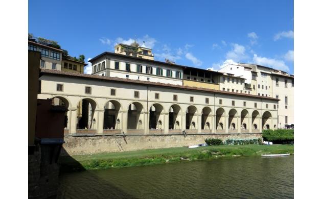 vasari-corridor-old-bridge-ponte-vecchio