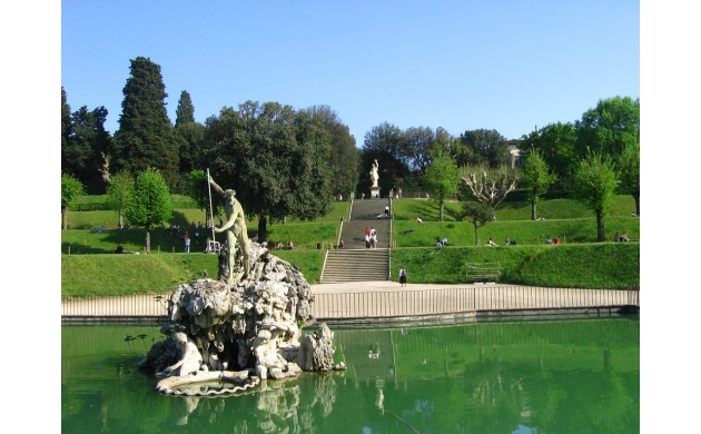 guide-boboli-gardens-7-things-to-see-fountain-nettuno