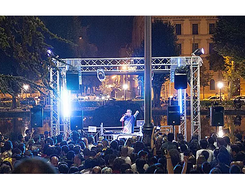 where-to-go-during-the-summer-in-florence-the-off-bar-live-concert