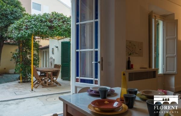 Leopolda Garden Apartment