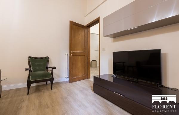 Charming Duomo 2 Bedroom Apartment