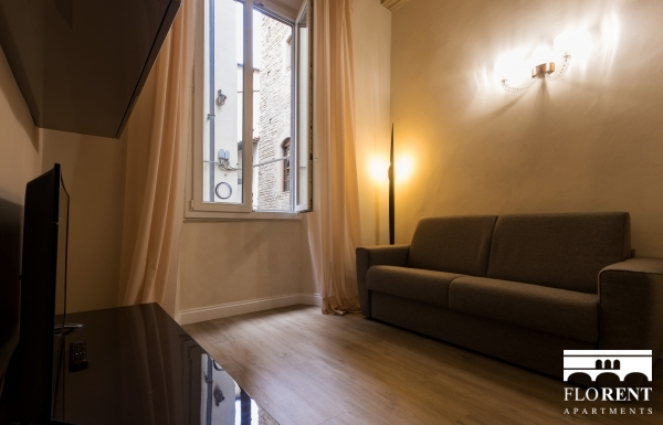 Charming Duomo 2 Bedroom Apartment