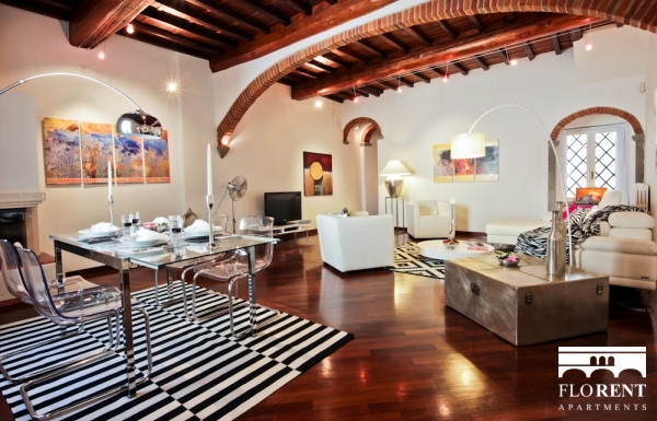 Luxury Apartment in Florence living and dining room