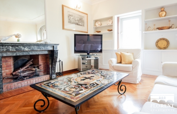 Luxury Suite on Ponte Vecchio living room