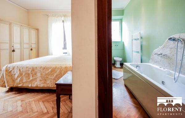 Luxury Suite on Ponte Vecchio second bedroom 2