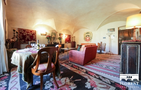 Luxury Flat over Ponte Vecchio living room
