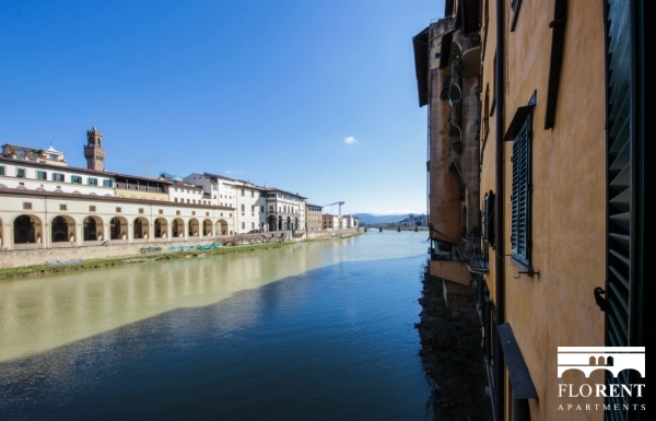 Luxury Flat over Ponte Vecchio view 4