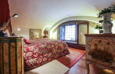 Luxury Flat over Ponte Vecchio bedroom