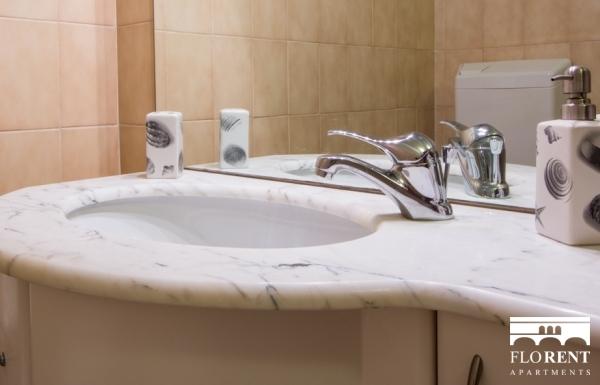 Luxury Duomo Terrace bathroom