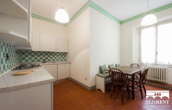 Accommodation on Ponte Vecchio kitchen