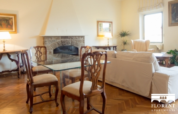 Accommodation on Ponte Vecchio living room