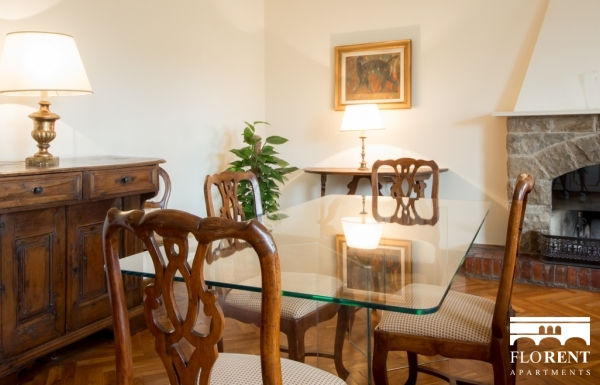 Accommodation on Ponte Vecchio dining room