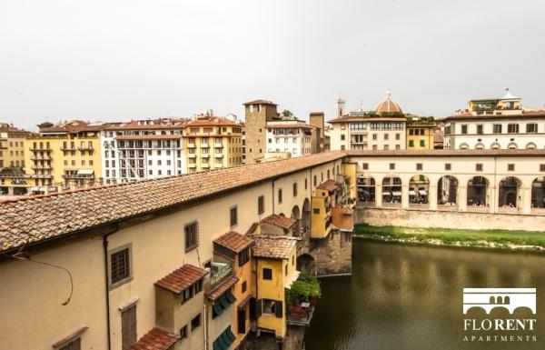 Accommodation on Ponte Vecchio view Ponte Vecchio 2