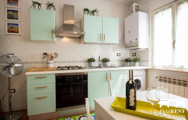 Florence Apartment kitchen