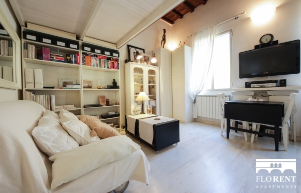 Luxury Studio in Florence living and dining room