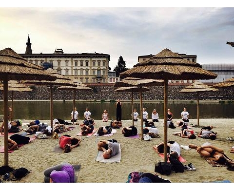 an-ethical-way-to-have-fun-on-the-arno-beach-yoga