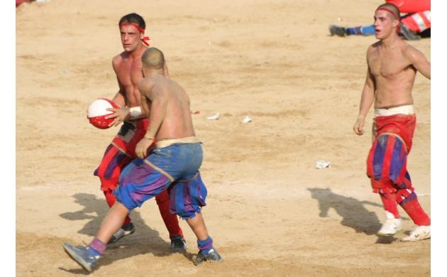 calcio-storico-history-florentine-football-1