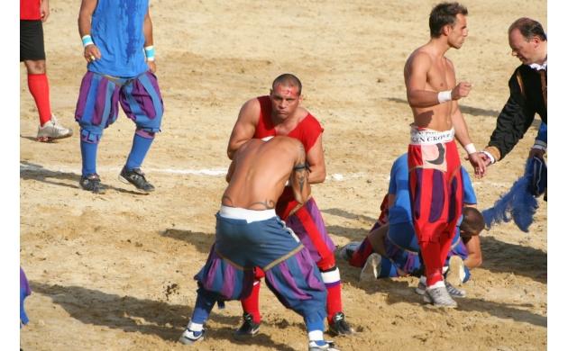 calcio-storico-history-florentine-football-2