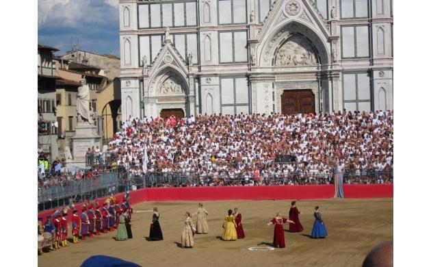 calcio-storico-history-florentine-football-santa-croce