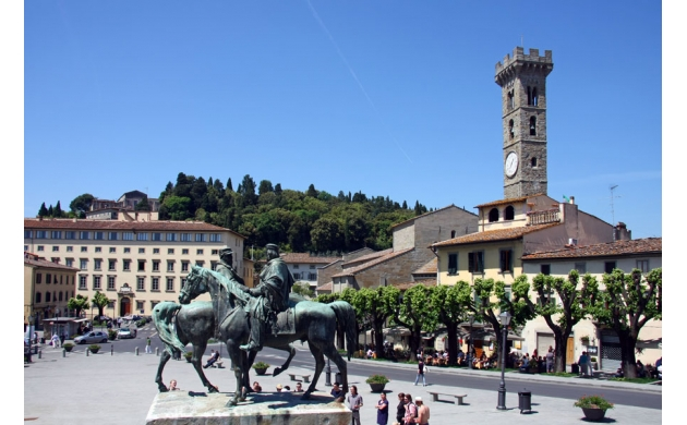 fiesole-etruscan-town-hill-square
