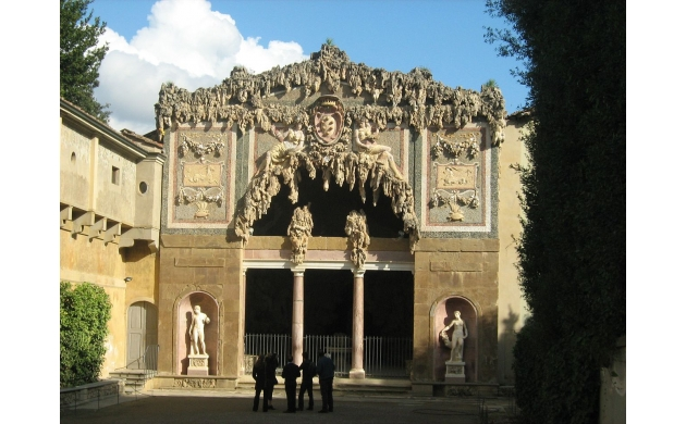 guide-boboli-gardens-7-things-to-see-buontalenti-grotto