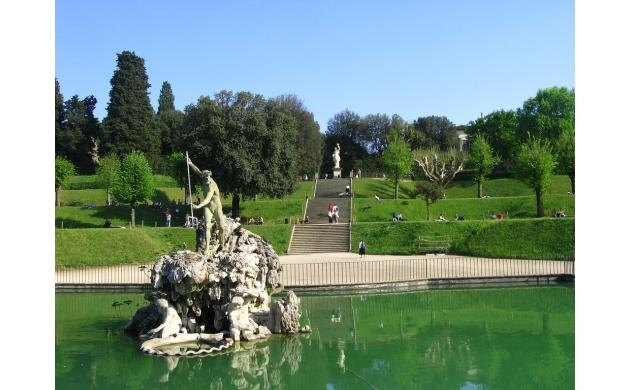 guide-boboli-gardens-7-things-to-see-fountain-nettuno