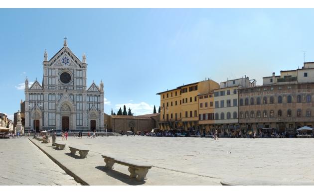 marvelous-square-piazza-santa-croce-2