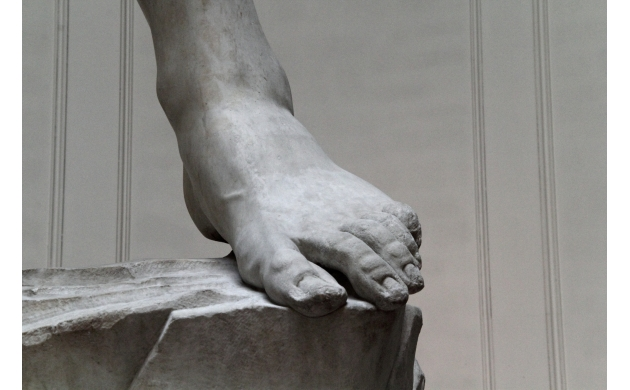 michelangelo-david-feet