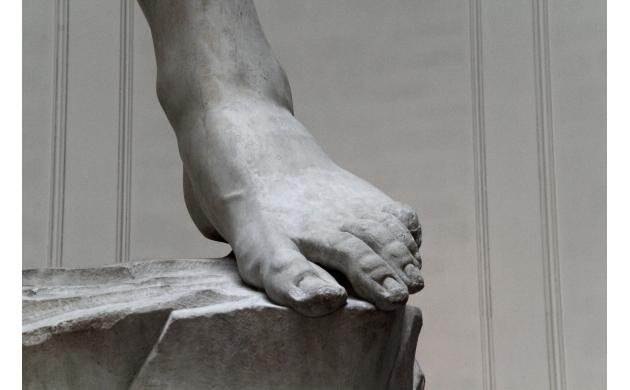 michelangelo-david-feet